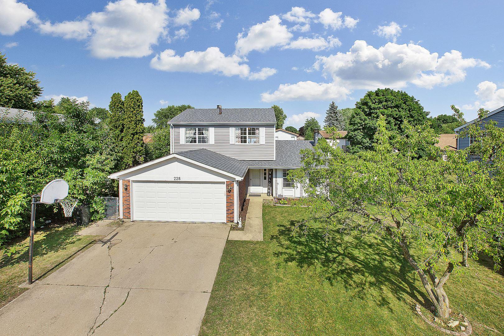 Photo of 228 YELLOW PINE Drive, Bolingbrook, IL 60440 (MLS # 10910776)