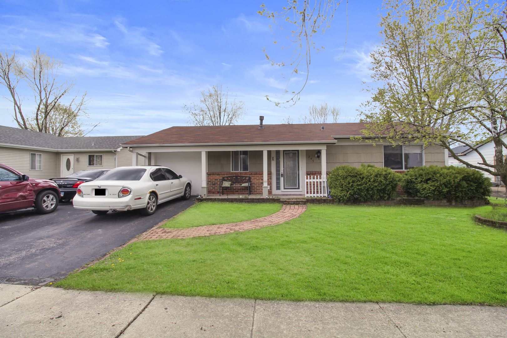 Photo of 245 Plainview Drive, Bolingbrook, IL 60440 (MLS # 11052776)