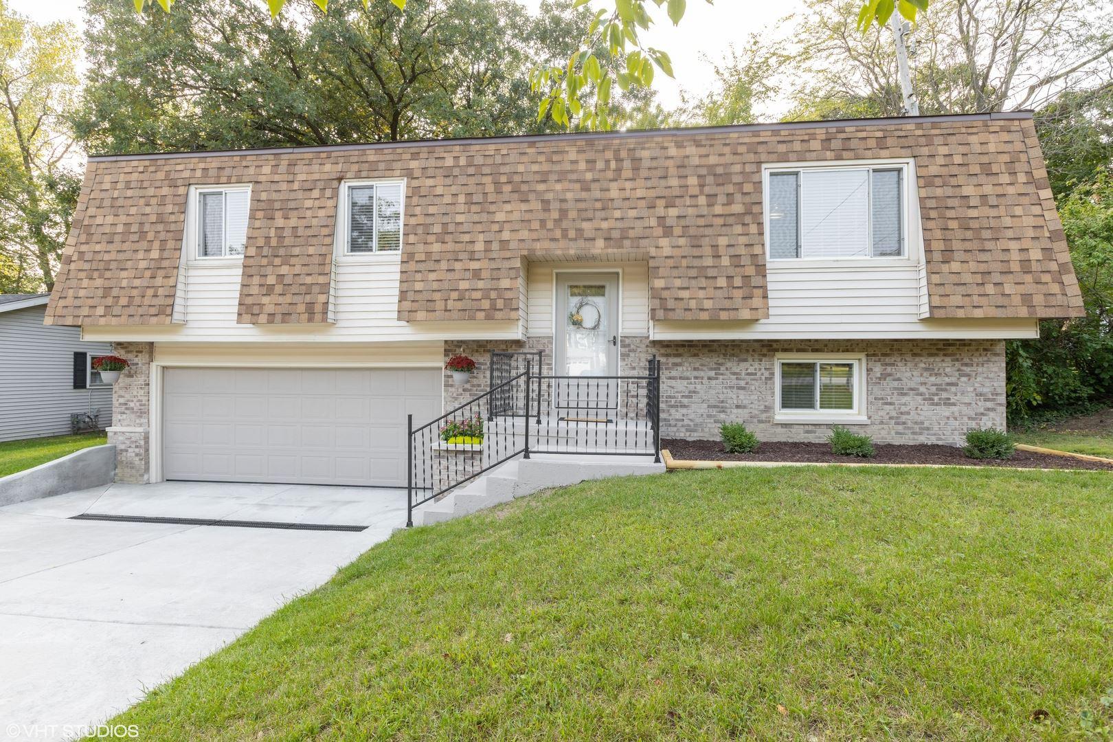 Photo of 407 N Brookshore Drive, Shorewood, IL 60404 (MLS # 10852777)