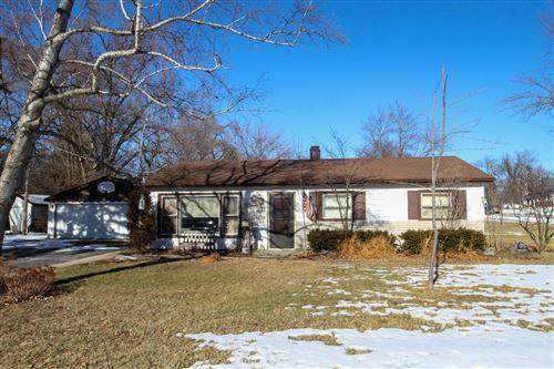 Photo of 400 W Hawley Street, Mundelein, IL 60060 (MLS # 10977780)