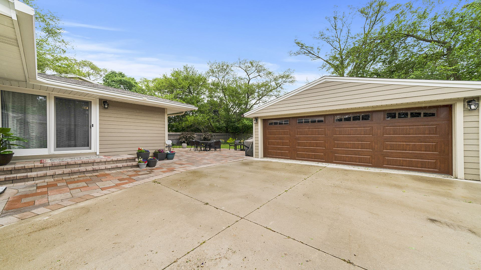 395 Linn Avenue, Crystal Lake, IL 60014 - #: 11110782
