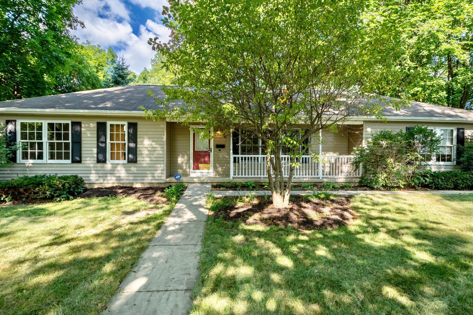 196 Lincoln Parkway, Crystal Lake, IL 60014 - #: 10809784