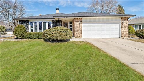Photo of 418 Claremont Drive, Downers Grove, IL 60516 (MLS # 10677785)