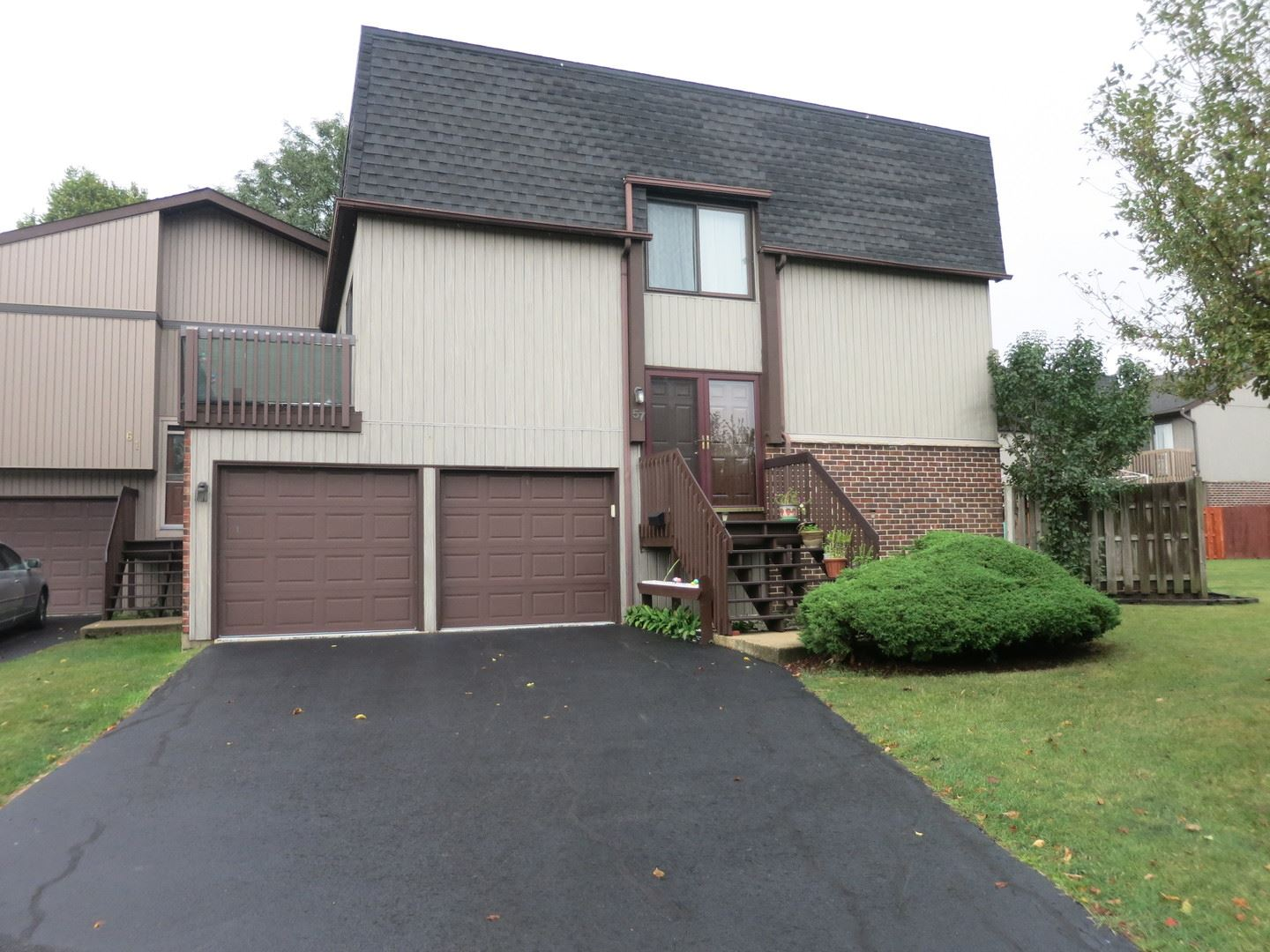 57 Lake Point Drive, Roselle, IL 60172 - #: 10853795