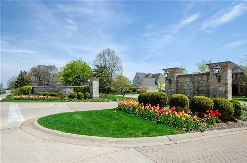 Photo of 6718 Fieldstone Drive, Burr Ridge, IL 60527 (MLS # 11072799)