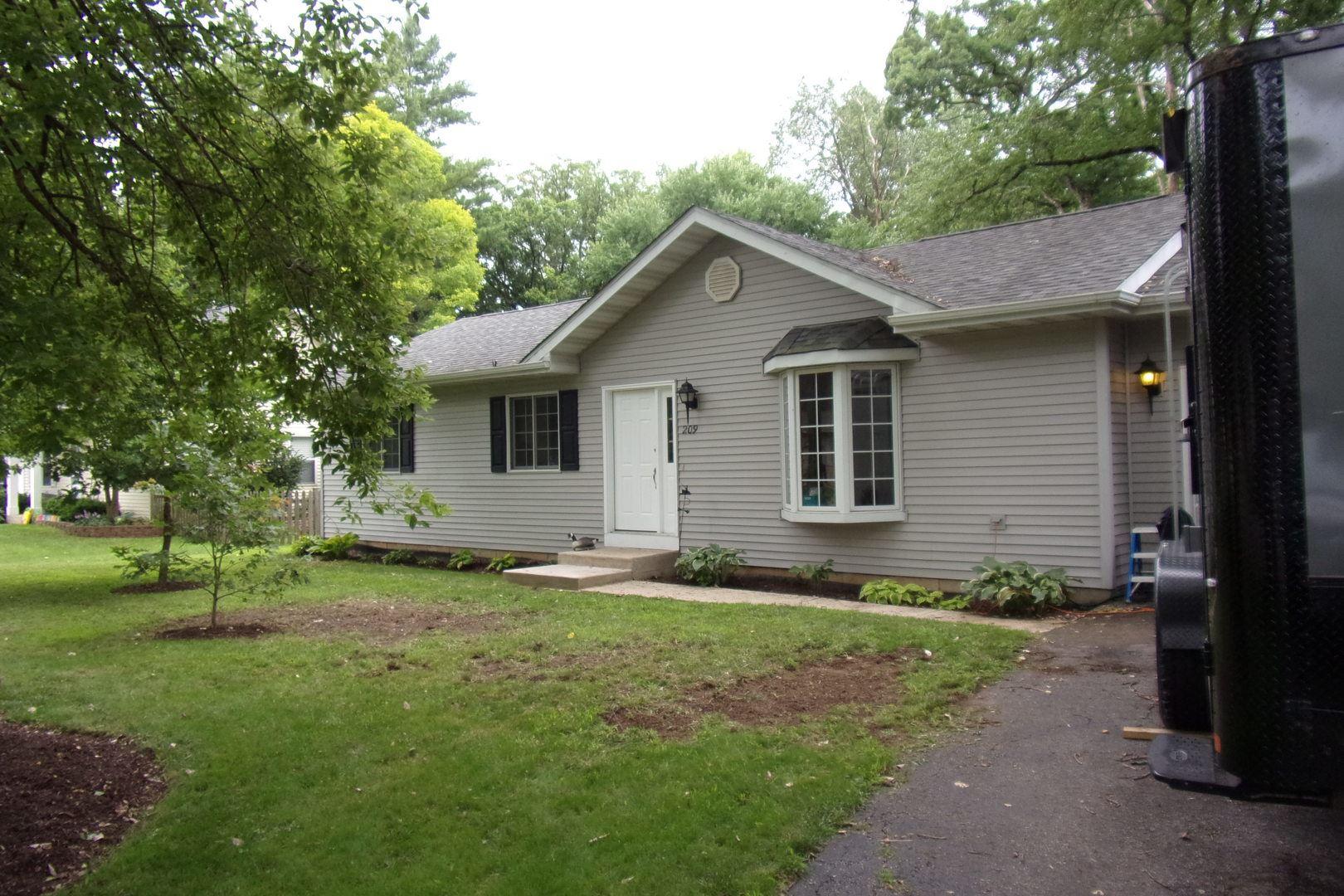 209 Kohl Avenue, Spring Grove, IL 60081 - #: 10785801