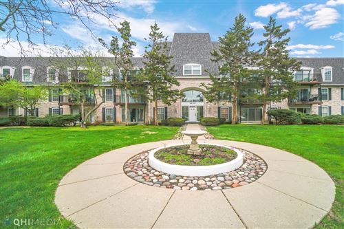 Photo of 5200 Carriageway Drive #324, Rolling Meadows, IL 60008 (MLS # 11049803)