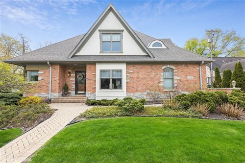Photo of 522 N County Line Road, Hinsdale, IL 60521 (MLS # 11104803)