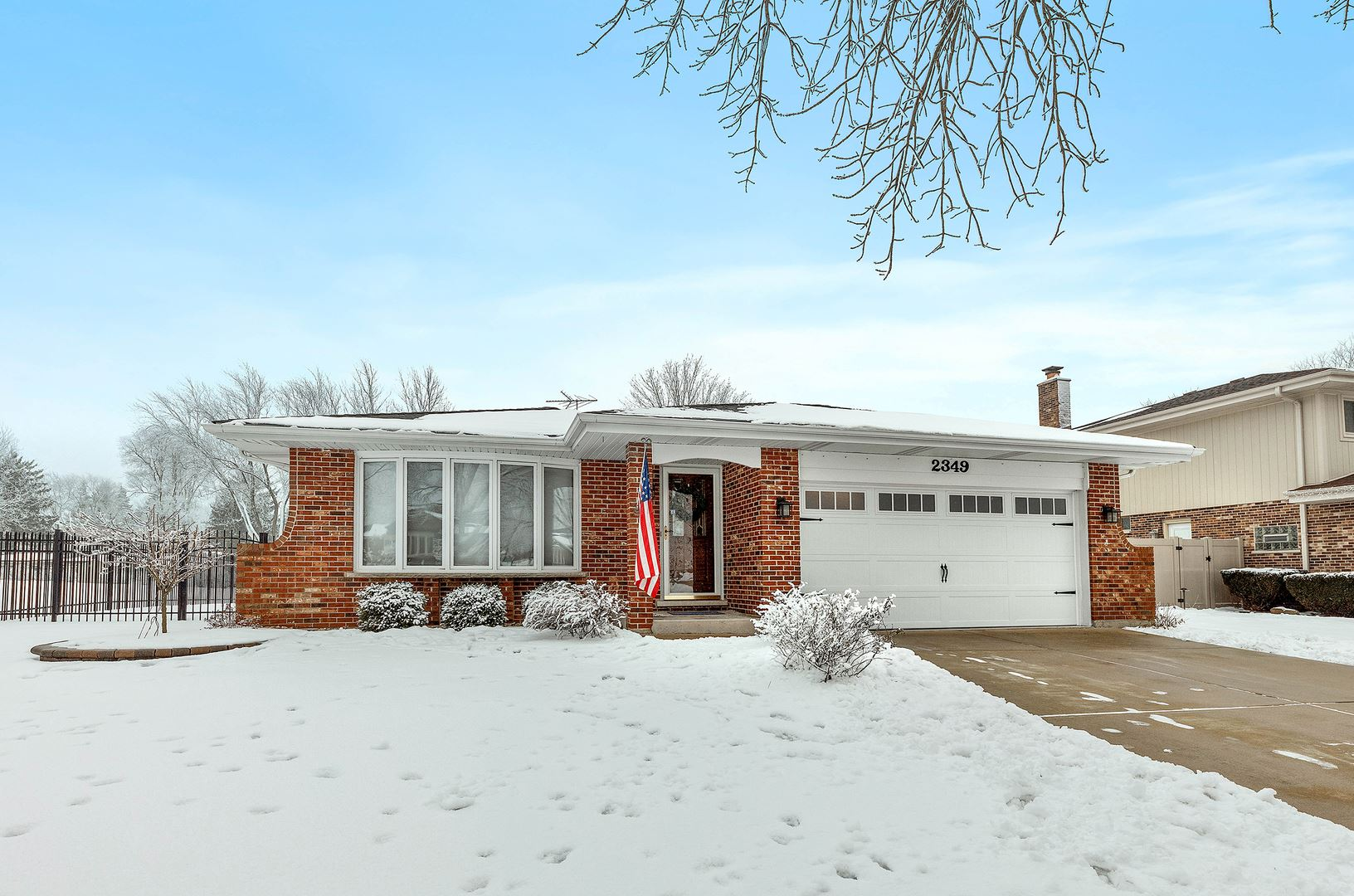 Photo for 2349 Green Valley Road, Darien, IL 60561 (MLS # 10970803)