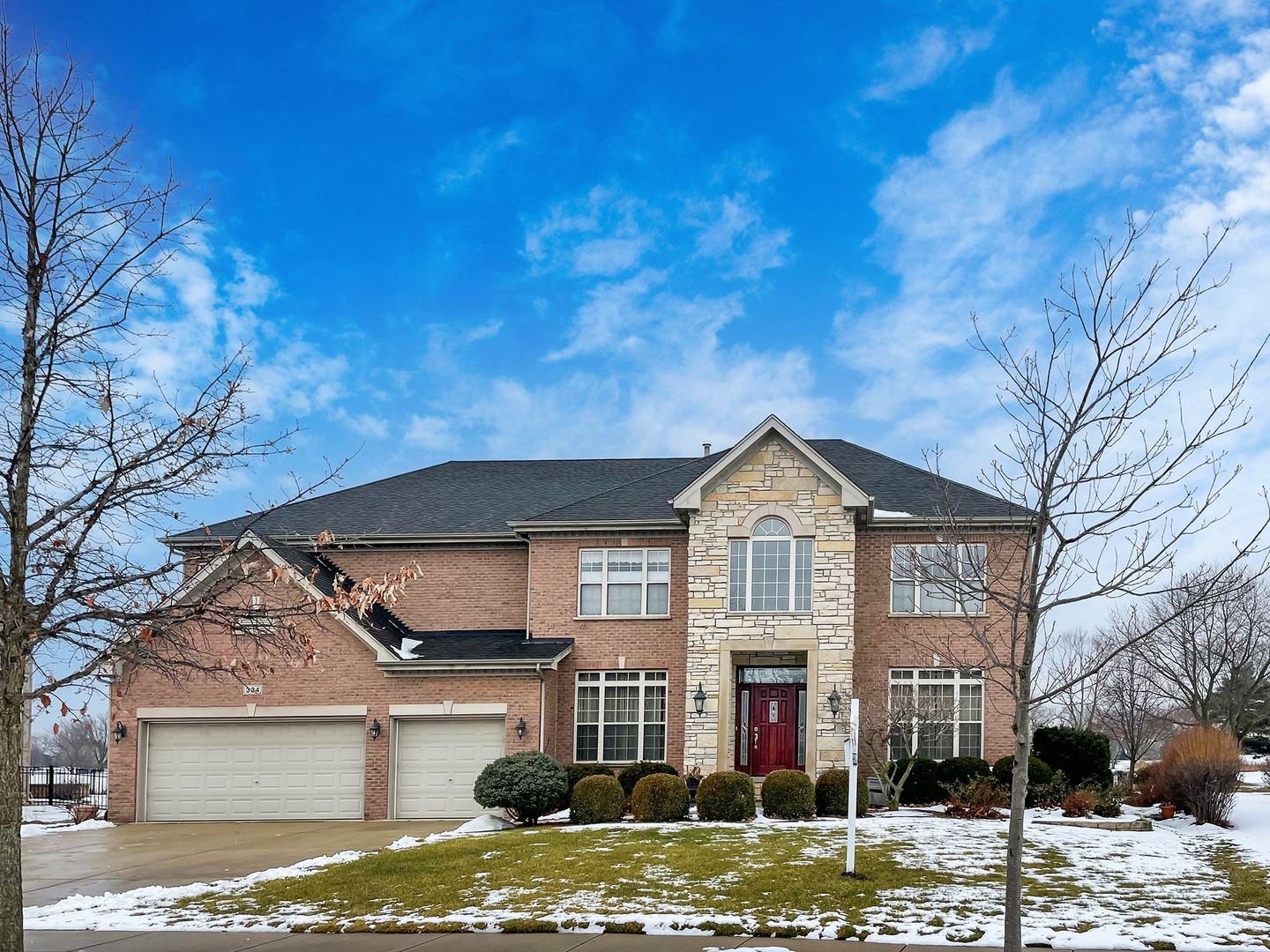 Photo for 334 Erie Circle, Bloomingdale, IL 60108 (MLS # 10976807)