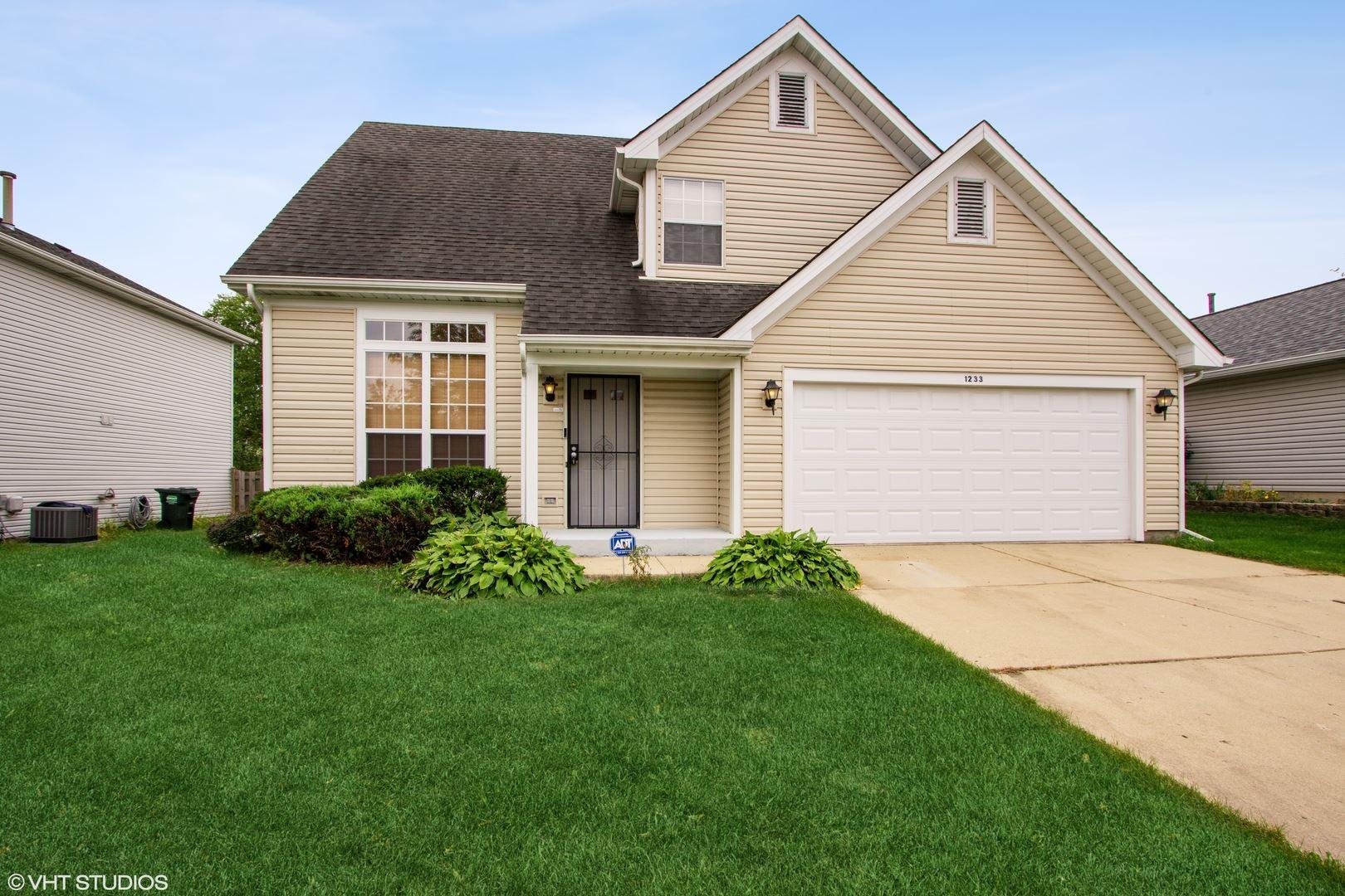 1233 Clover Lane, Hoffman Estates, IL 60192 - #: 11249809