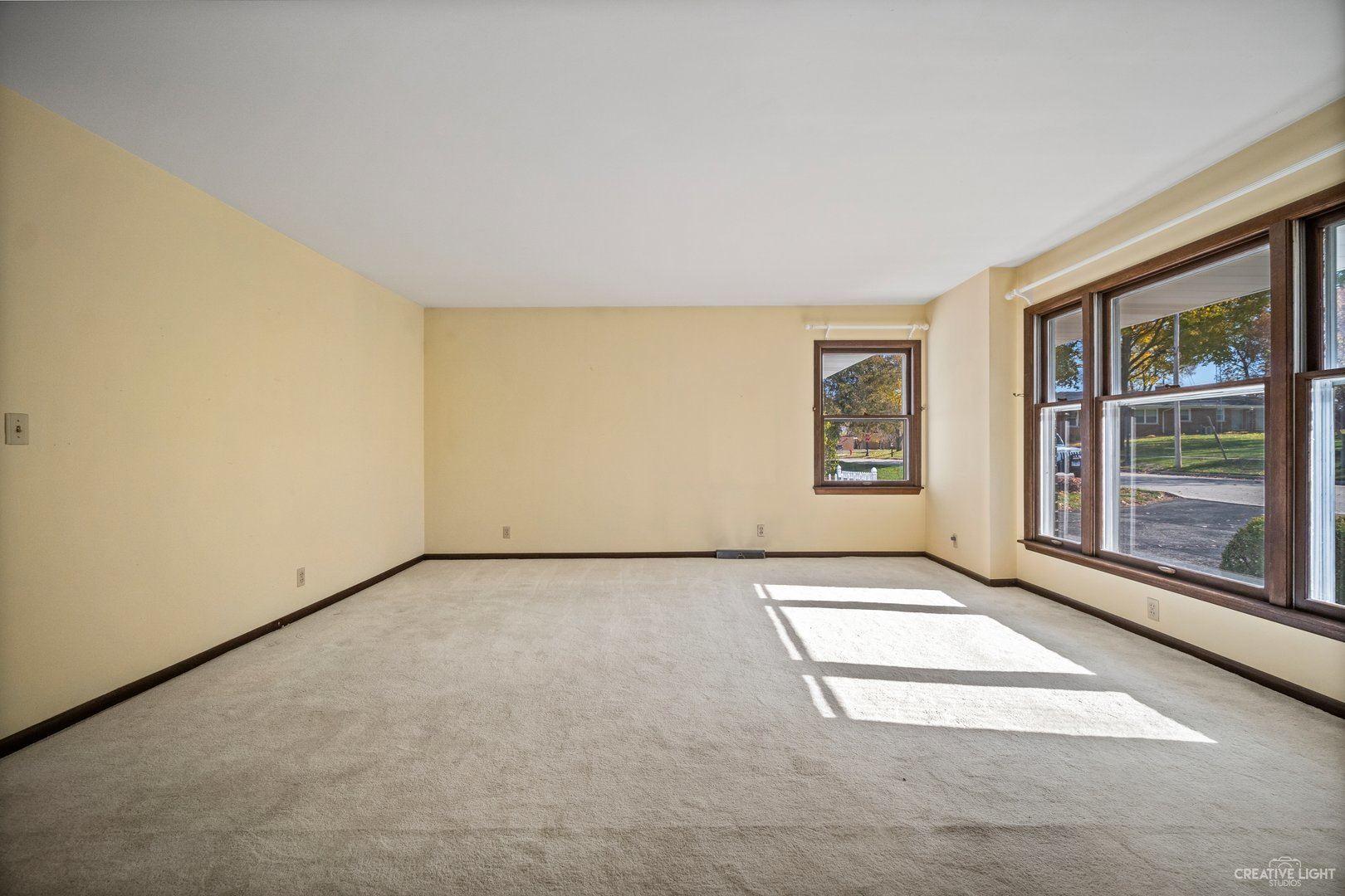 Photo of 204 E Jefferson Street, Oswego, IL 60543 (MLS # 10926811)