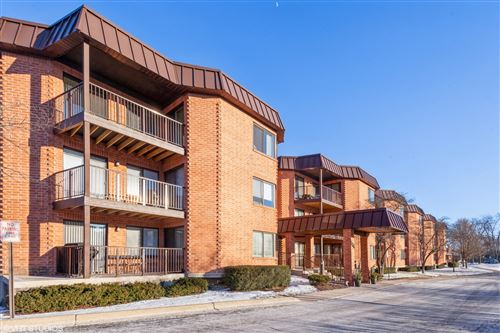 Photo of 6401 Clarendon Hills Road #118, Willowbrook, IL 60527 (MLS # 10976812)