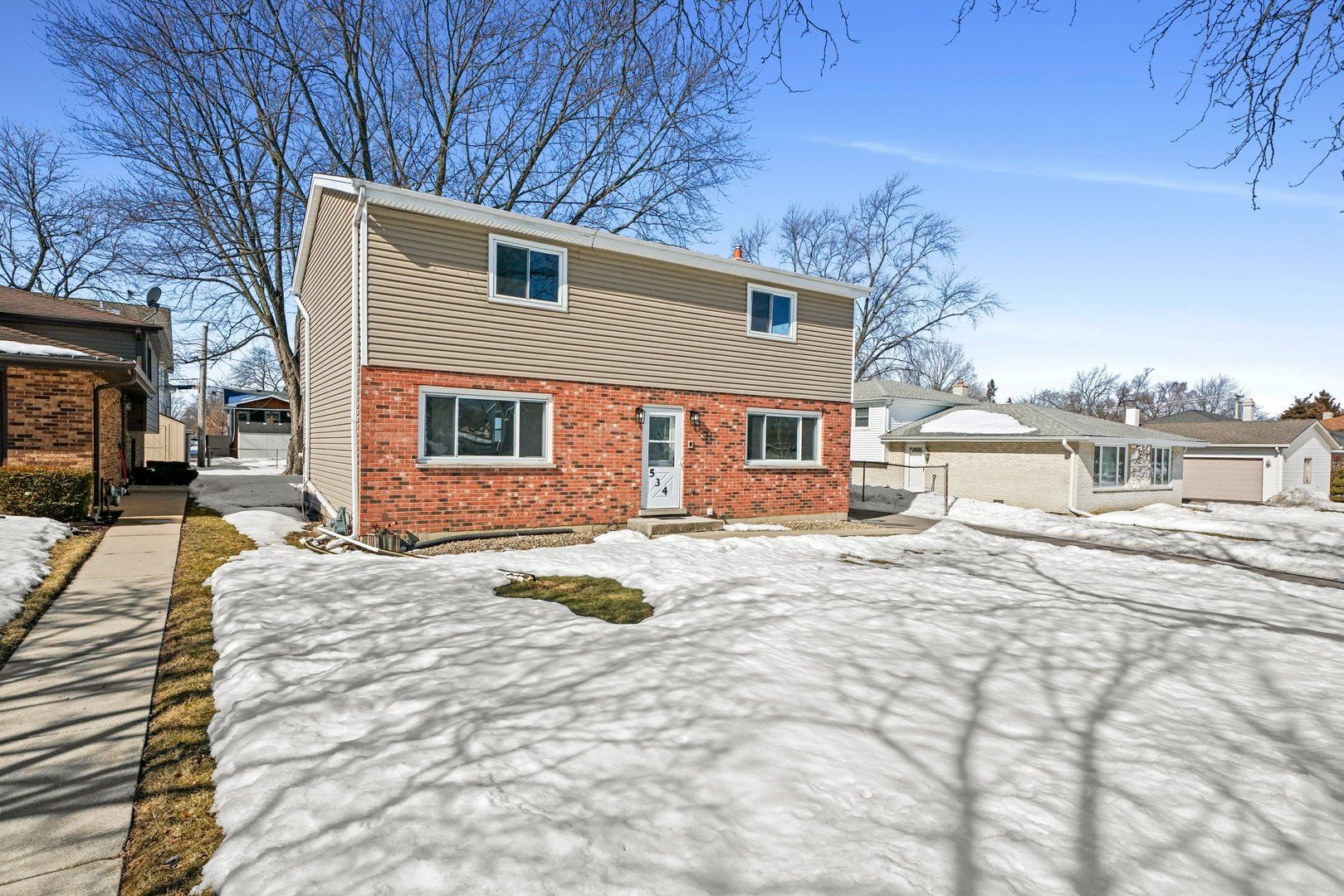 Photo of 534 N Vista Avenue, Lombard, IL 60148 (MLS # 11005812)