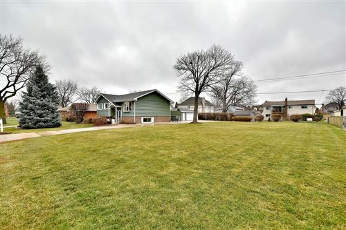 Photo of 545 N MICHIGAN Street, Elmhurst, IL 60126 (MLS # 11076818)