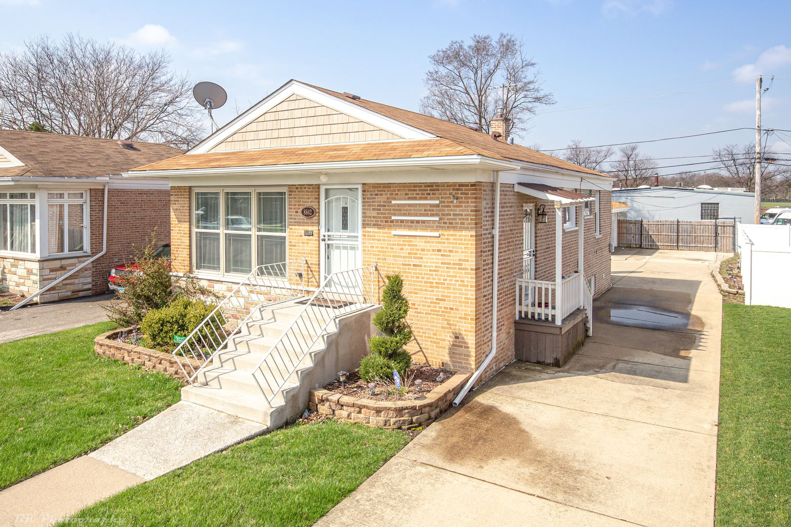 8842 S Troy Avenue, Evergreen Park, IL 60805 - #: 10686821