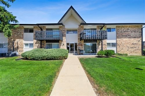 Photo of 5A KINGERY QUARTER #203, Willowbrook, IL 60527 (MLS # 10794825)