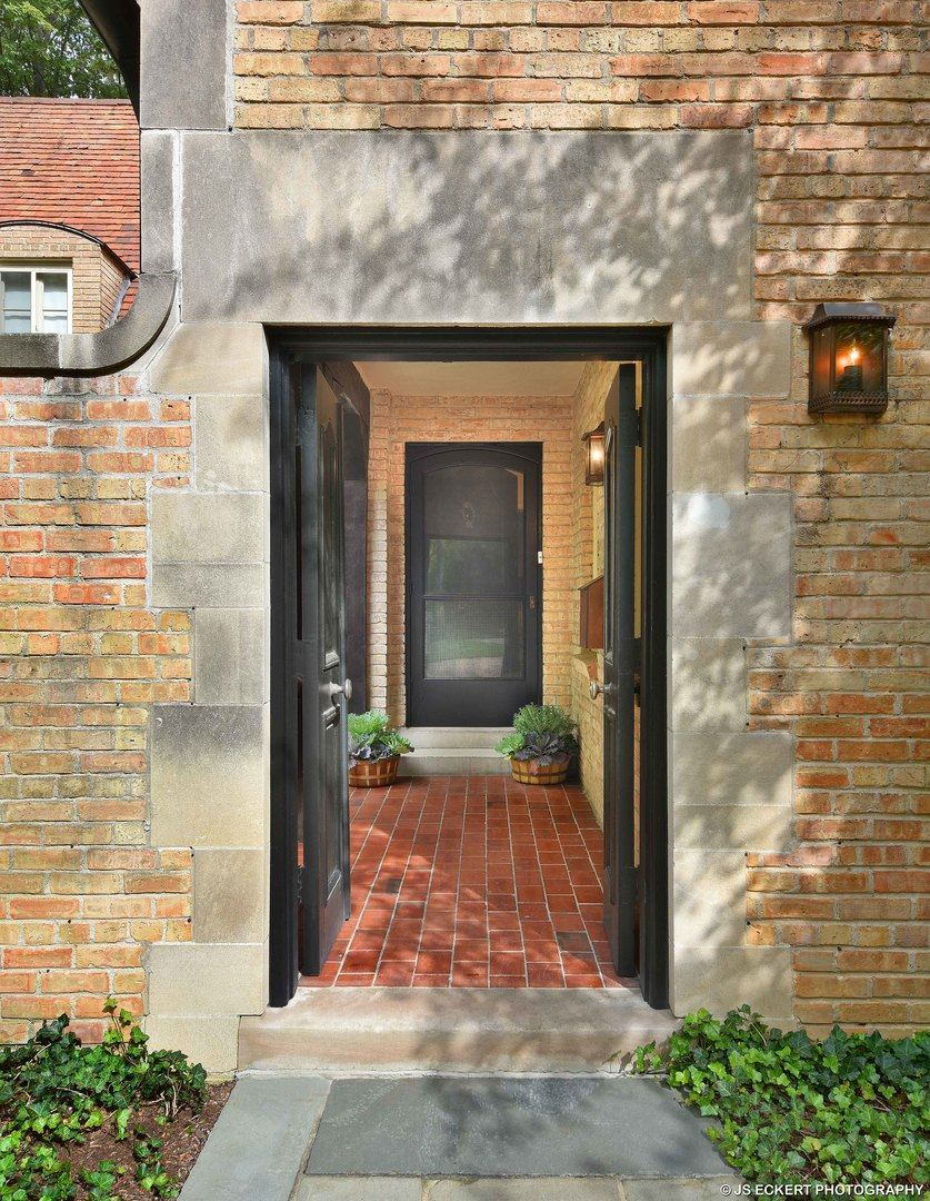 1050 East Illinois Road, Lake Forest, IL 60045 - #: 10553825