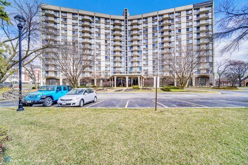 Photo of 20 Tower Road N #1G, Oak Brook, IL 60523 (MLS # 10639829)