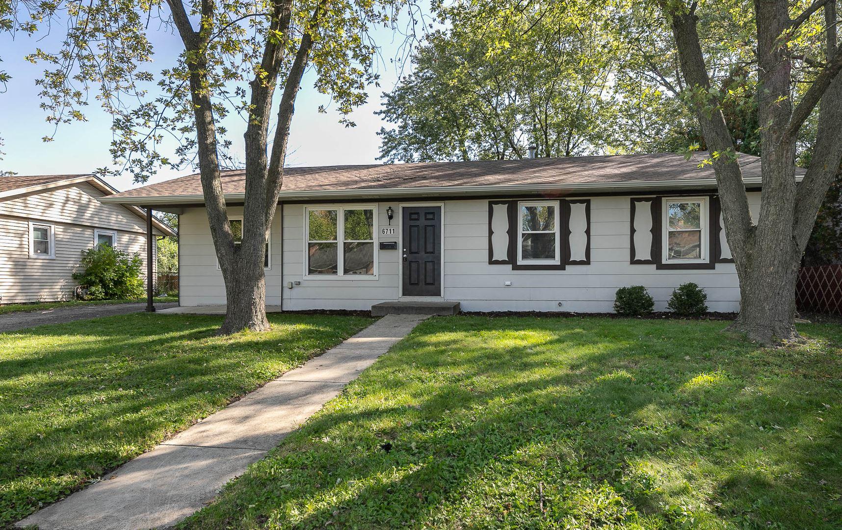 6711 Peach Tree Street, Hanover Park, IL 60133 - #: 10892829