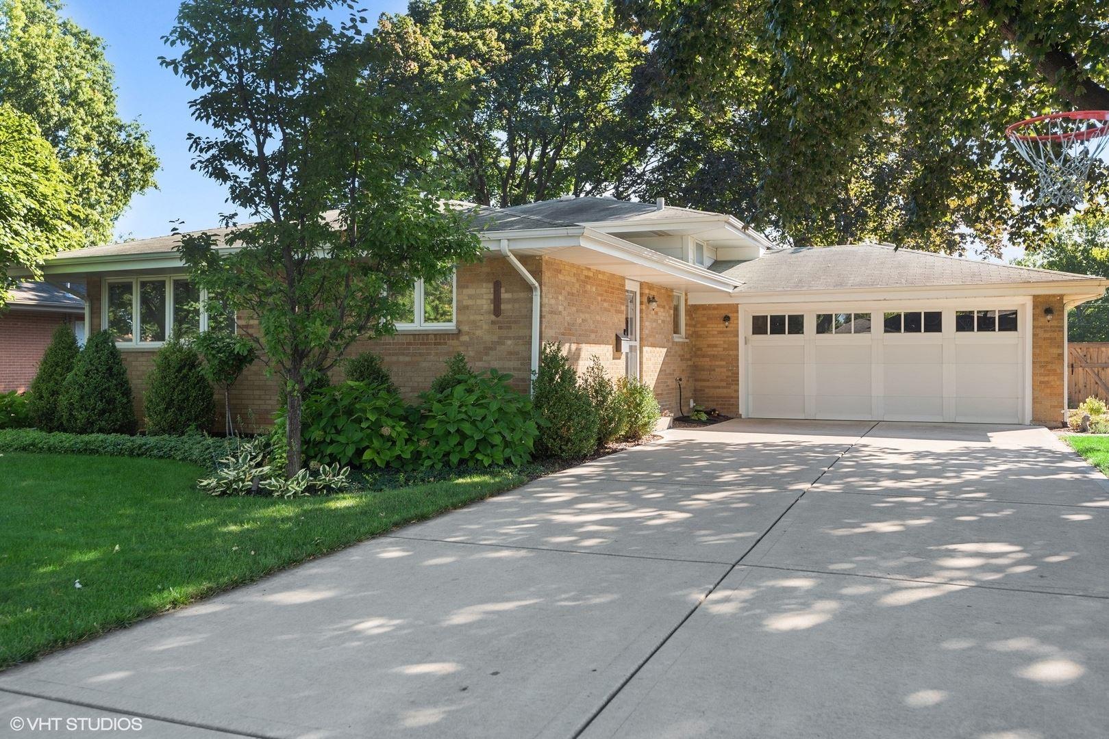 213 N Stratton Lane, Mount Prospect, IL 60056 - #: 11239830