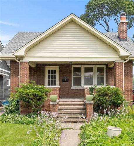 Photo of 283 N Michigan Avenue, Elmhurst, IL 60126 (MLS # 11230831)