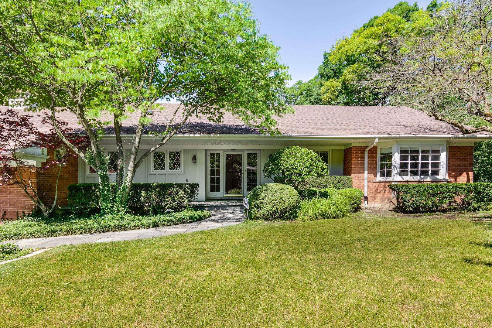 Photo for 518 Forest Hill Road, Lake Forest, IL 60045 (MLS # 10910834)