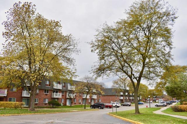 912 Ridge Square #204, Elk Grove Village, IL 60007 - #: 10779835