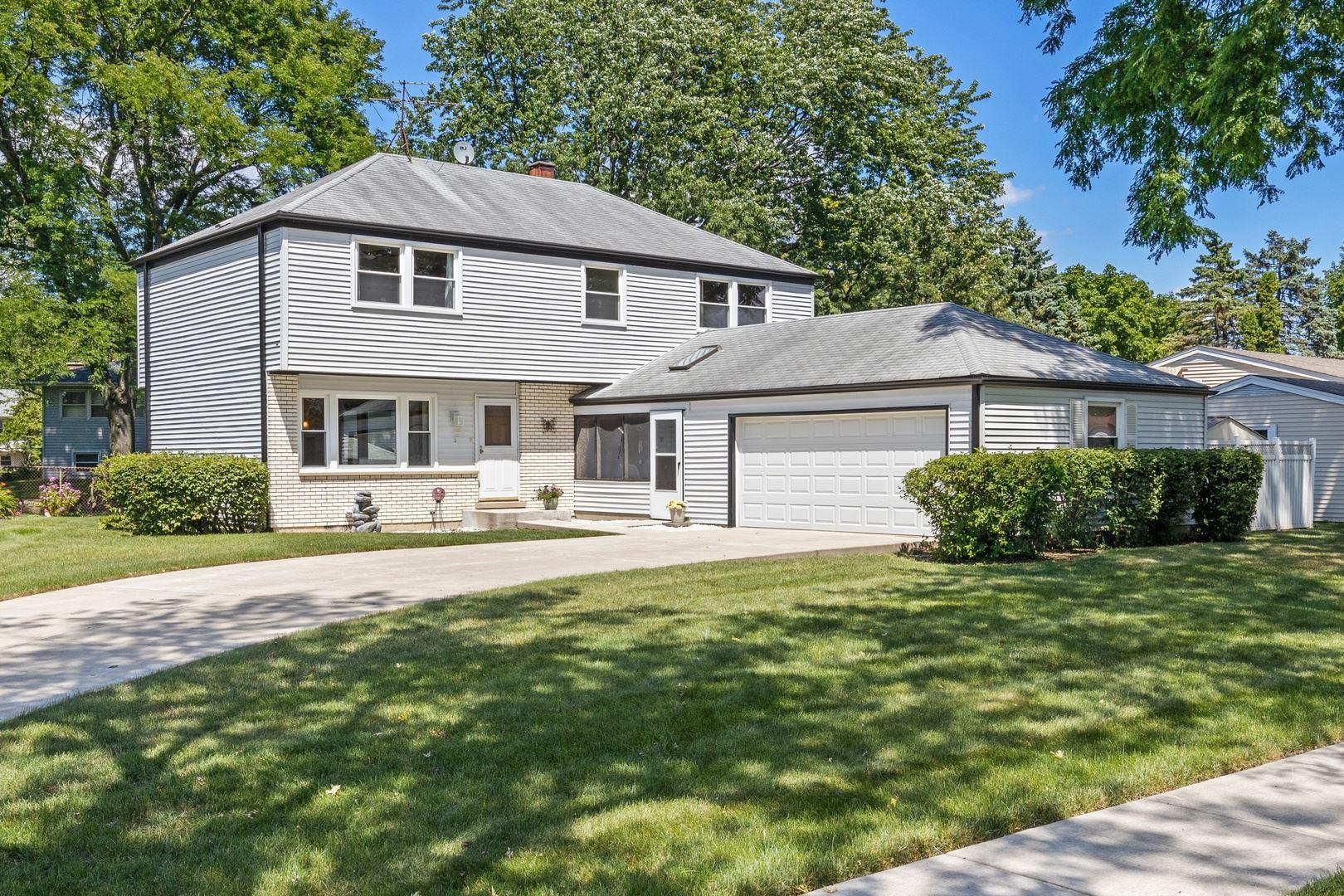 3 W Beechwood Court, Buffalo Grove, IL 60089 - #: 10800836