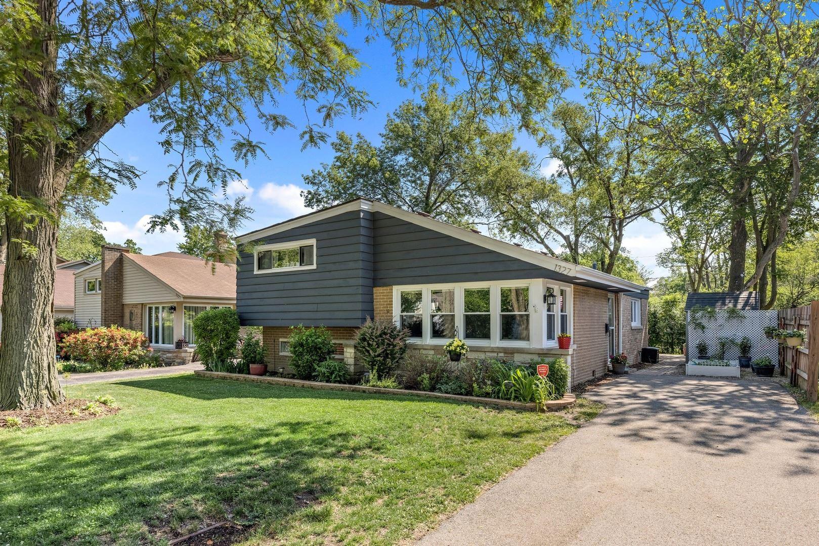 1327 Cavell Avenue, Highland Park, IL 60035 - #: 11118839