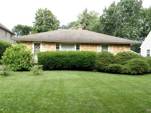 Photo of 250 Middaugh Road, Clarendon Hills, IL 60514 (MLS # 10801842)