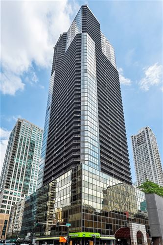 Photo of 10 E ONTARIO Street #910, Chicago, IL 60611 (MLS # 10803844)