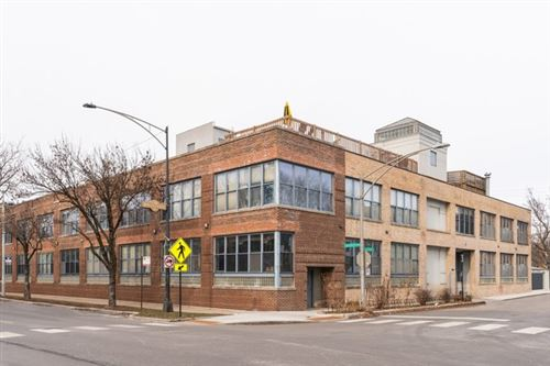 Photo of 2804 North Lakewood Avenue #207, Chicago, IL 60657 (MLS # 10617846)