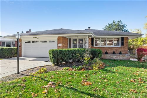 Photo of 5124 Clausen Avenue, Western Springs, IL 60558 (MLS # 10904846)