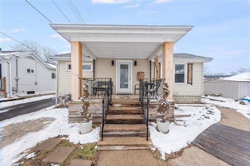 Photo of 912 W Washington Street, Ottawa, IL 61350 (MLS # 10972849)