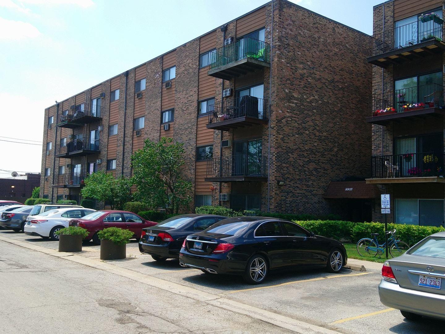 8905 N KNIGHT Avenue #301, Des Plaines, IL 60016 - #: 10748849