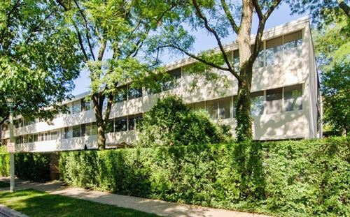Photo of 300 N Maple Avenue #15, Oak Park, IL 60302 (MLS # 11048851)