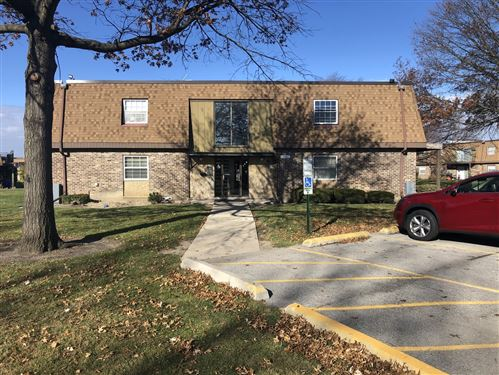 Photo of 7s066 Suffield Court #202E, Westmont, IL 60559 (MLS # 10935852)