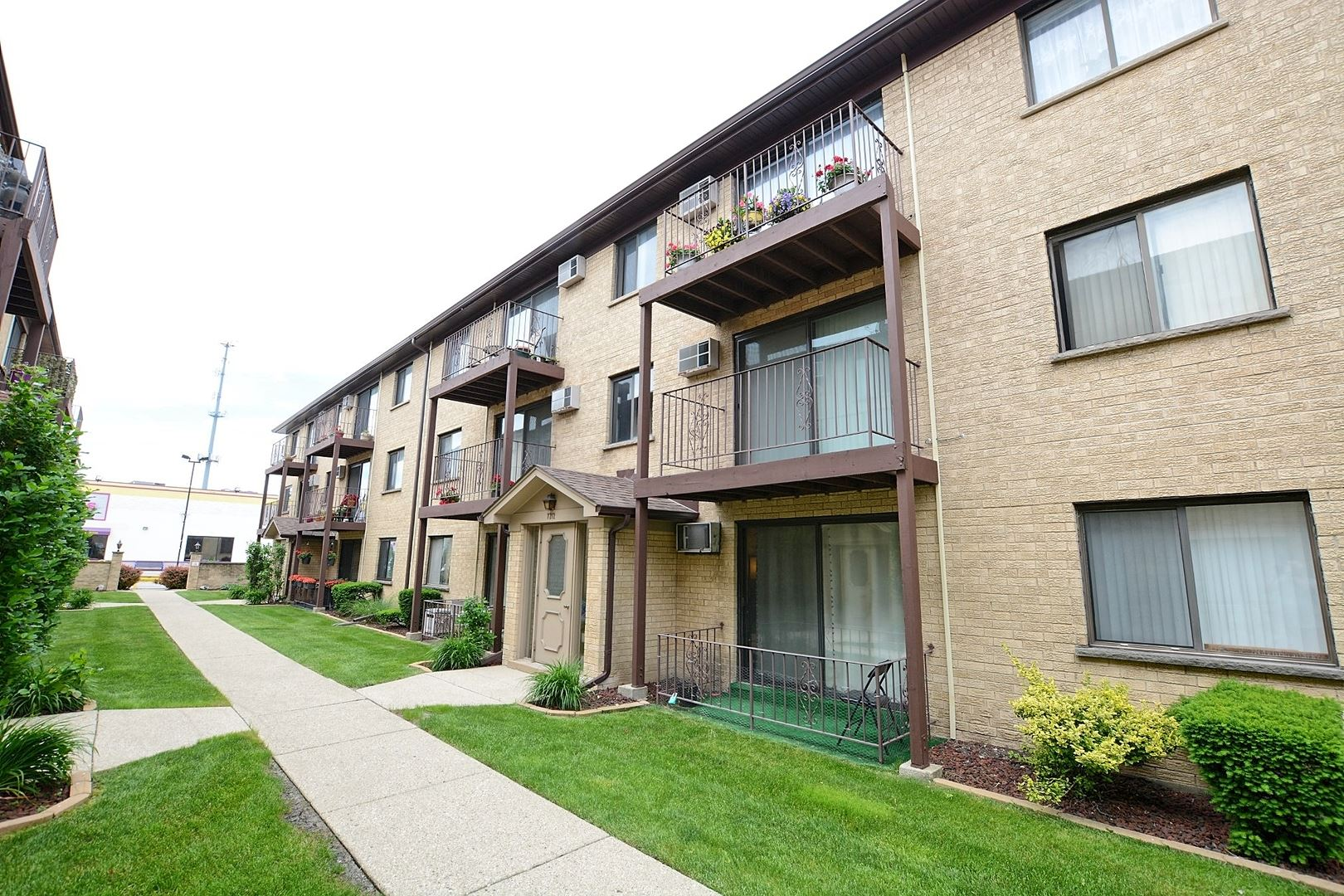 7212 W Wrightwood Avenue #3N, Elmwood Park, IL 60707 - #: 10802852