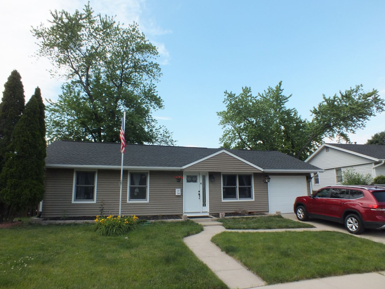 Photo of 704 Halstead Avenue, Romeoville, IL 60446 (MLS # 11120852)