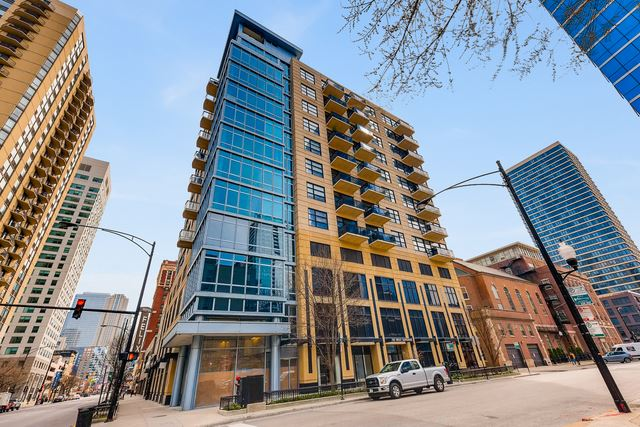 Photo for 101 West SUPERIOR Street #902, Chicago, IL 60610 (MLS # 10610856)