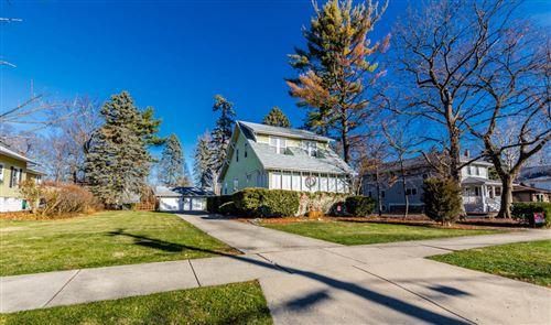 Photo of 320 W Windsor Avenue, Lombard, IL 60148 (MLS # 10907860)