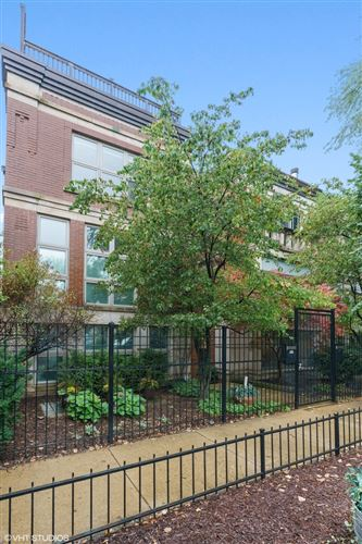 Photo of 962 W Montana Street, Chicago, IL 60614 (MLS # 10903865)