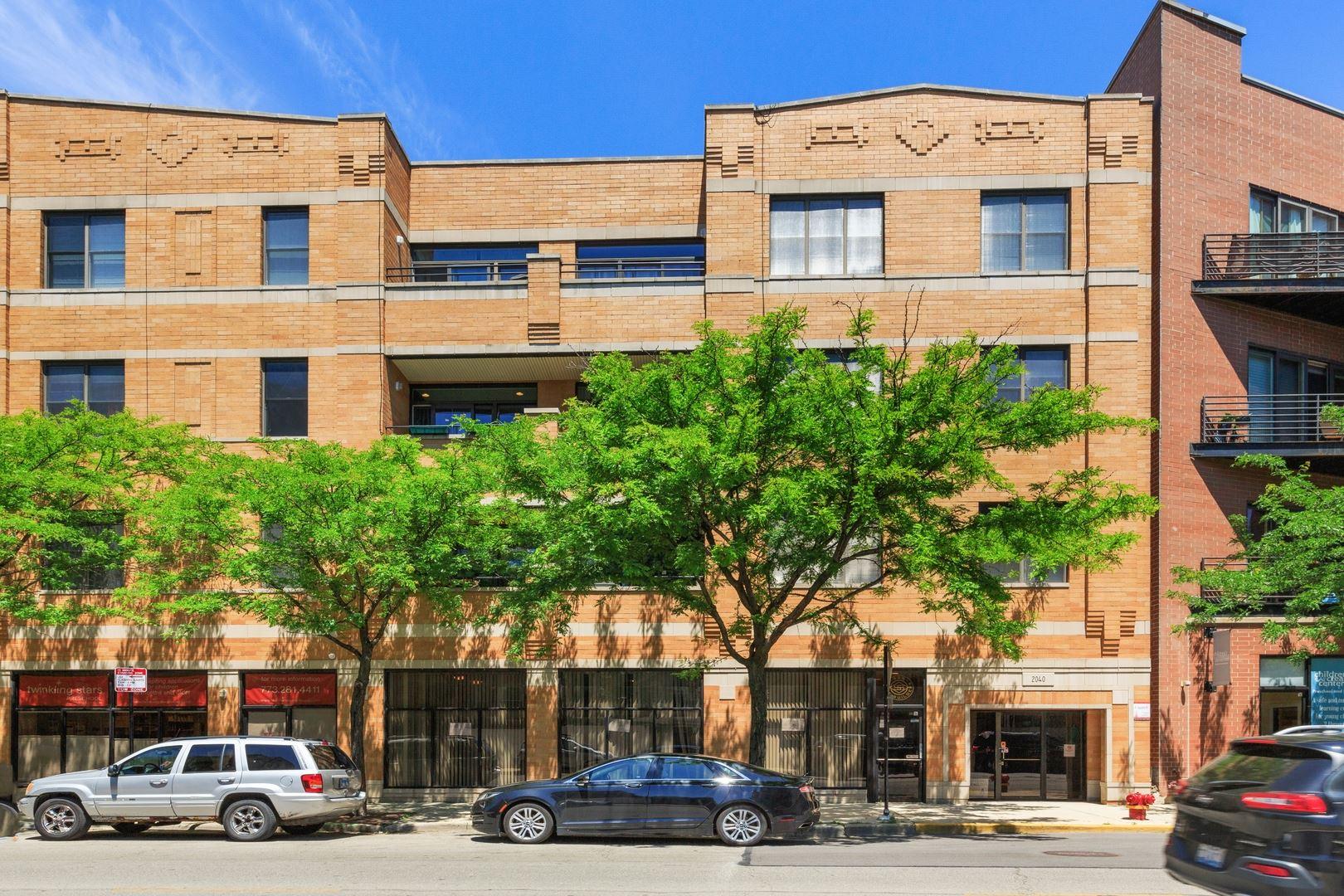 2040 W BELMONT Avenue #208, Chicago, IL 60618 - #: 10802865