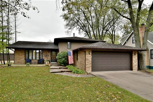 Photo of 206 VILLAGE Road, Willowbrook, IL 60527 (MLS # 10913866)