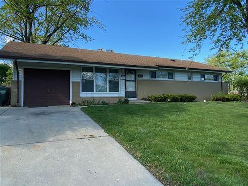 Photo of 580 NEWARK Lane, Hoffman Estates, IL 60169 (MLS # 11080866)