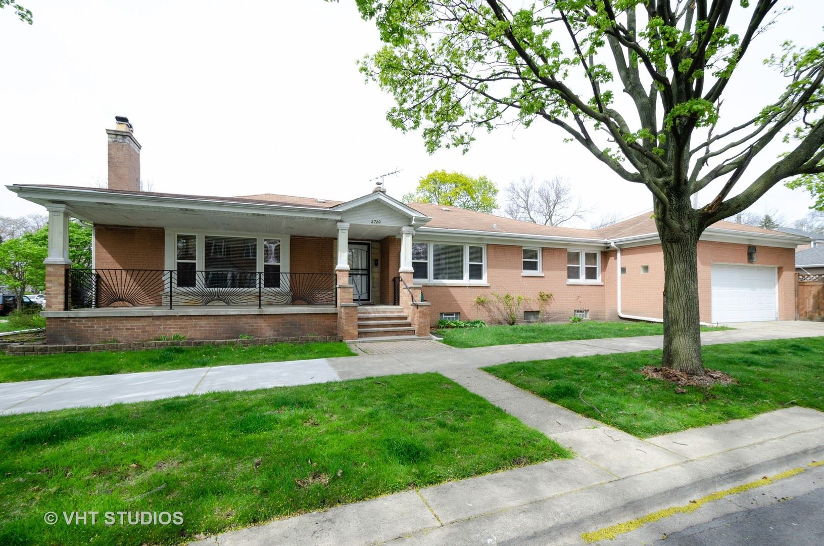 2720 W Jarvis Avenue, Chicago, IL 60645 - #: 10743867