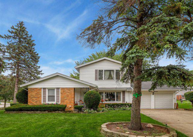 711 Penrith Avenue, Elk Grove Village, IL 60007 - #: 11158867