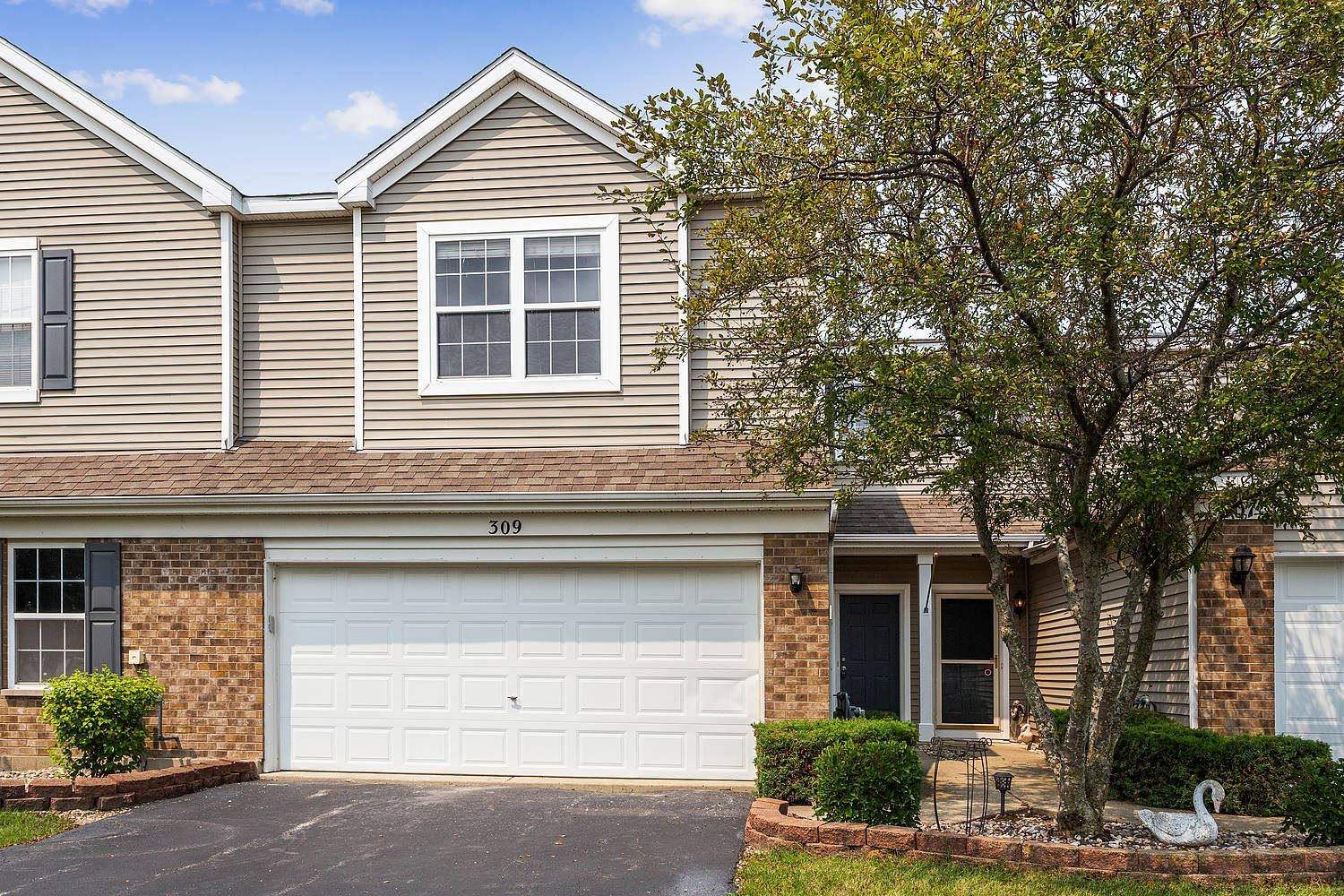 Photo of 309 Parkside Drive, Shorewood, IL 60404 (MLS # 11159868)