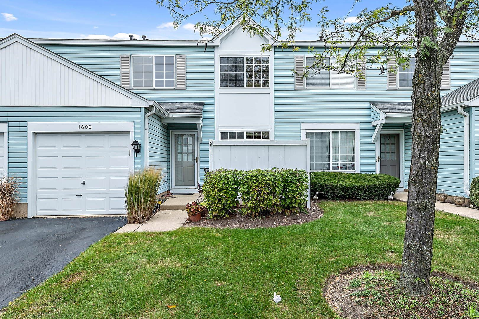 Photo of 1600 NORMANTOWN Road, Naperville, IL 60564 (MLS # 11254868)